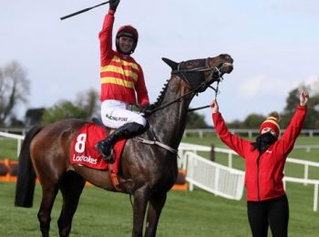 Klassical Dream Memenangkan Ladbrokes Champion Stayers Hurdle di Punchestown