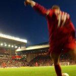 Pertandingan United vs. Liverpool dibatalkan setelah fans menginvasi Old Trafford