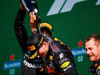 Red Bull Kembali Memimpin Saat Verstappen Menangkan GP Belanda